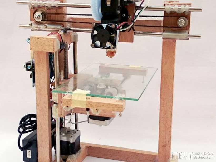 木质repstrap 3D打印机 3D打印模型渲染图