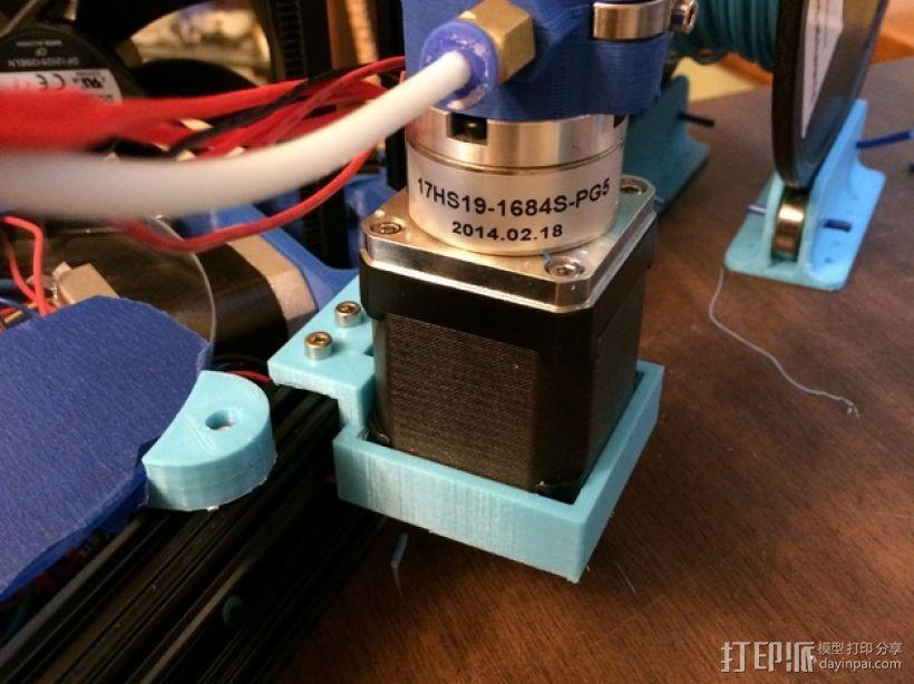 Kossel Mini打印机的齿轮步进挤出机支架 3D打印模型渲染图