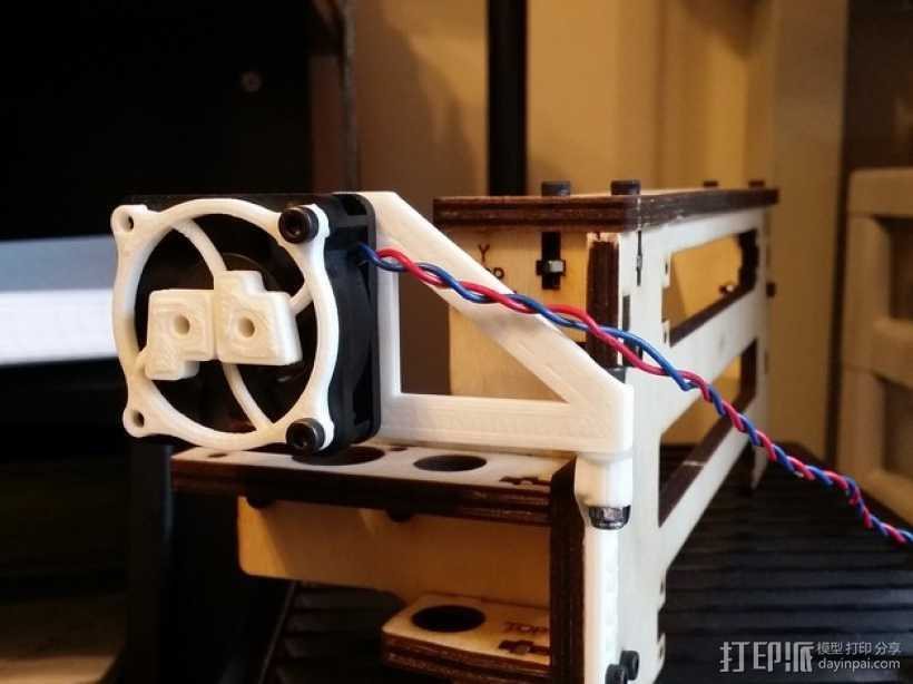 Printrbot Simple打印机的挤出机风扇支架 3D打印模型渲染图