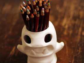 怪物铅笔筒模型