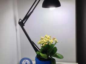 花盆 -- 灯架