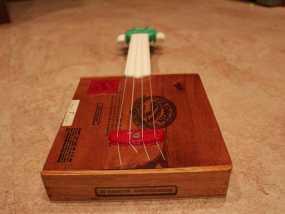 雪茄盒尤克里里