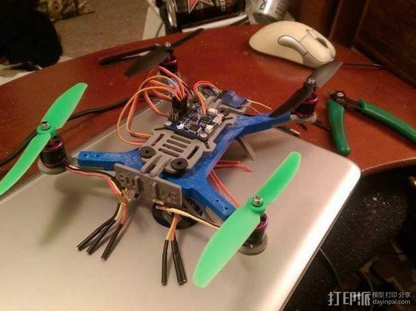 迷你180四轴飞行器 3D打印模型渲染图