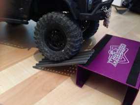 Axial SCX10遥控攀爬车 砂质轨道