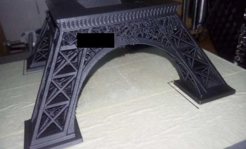 埃菲尔铁塔 3D打印实物照片