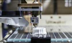 3D打印机不能在平台中央打印是怎么回事?