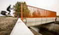 荷兰的世界上首座3D打印混凝土自行车桥正式开放投入使用