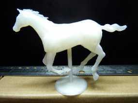 奔驰的骏马摆件