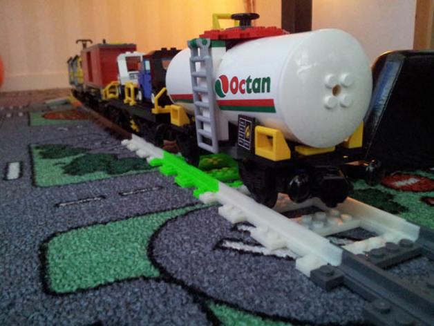 乐高玩具火车车轨