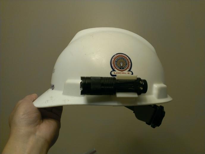 安全帽 手电筒固定夹 3D打印模型渲染图