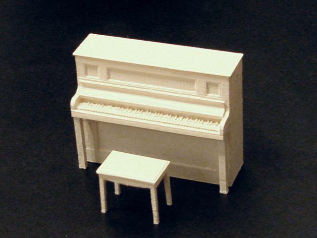 钢琴和凳子