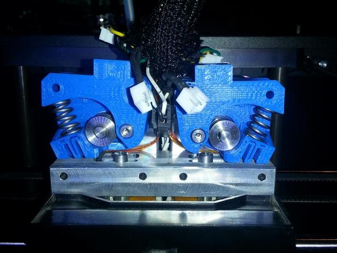 Replicator 2X挤出机