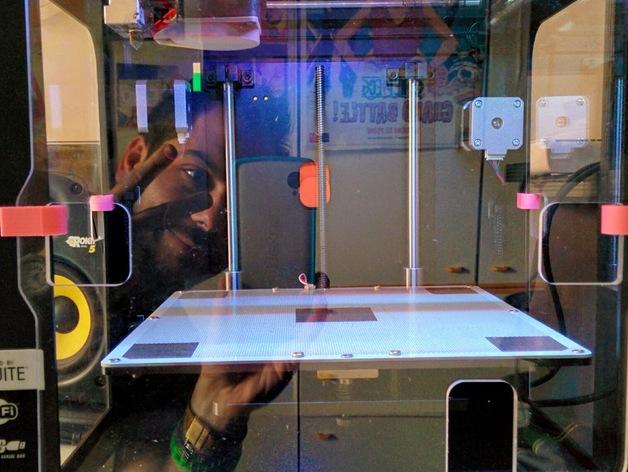 Zortrax M200打印机的玻璃板固定器 3D打印模型渲染图