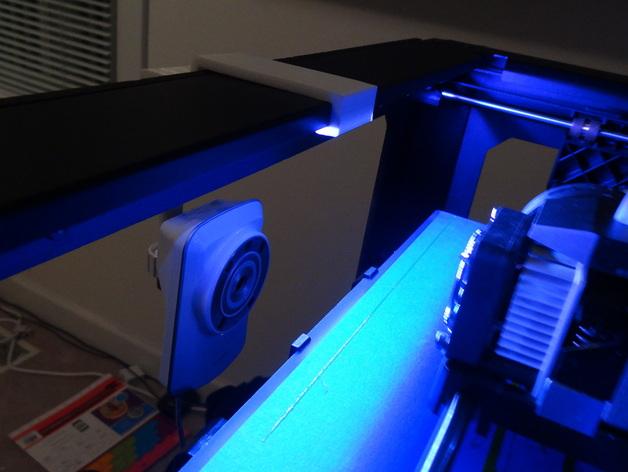 Replicator 2打印机上的摄像头支架