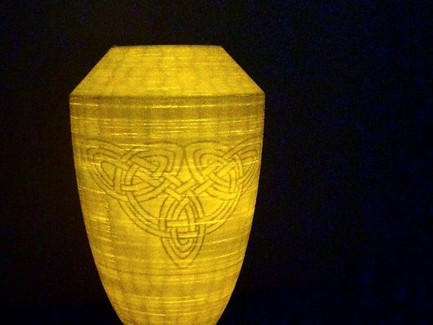 浮雕凯尔特花瓶/灯罩