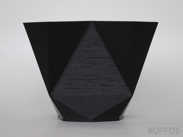 几何形花瓶