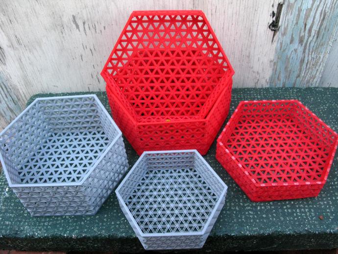 六边形镂空容器