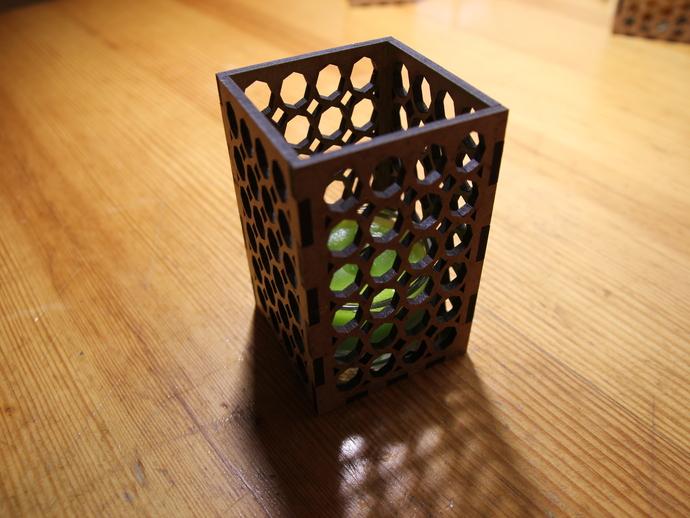 激光切割方形烛台