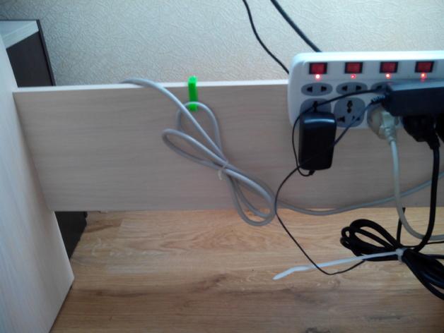 可扩展的电线挂钩