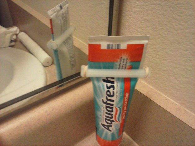 牙膏挤出装置