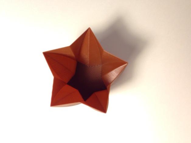 定制化星形花瓶/笔筒