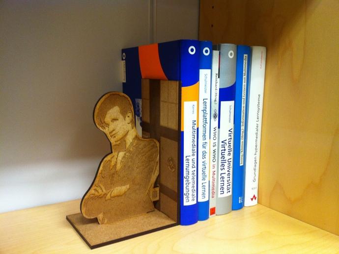 神秘博士主题书立 3D打印模型渲染图