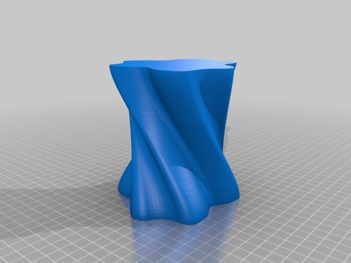 个性化螺旋花瓶