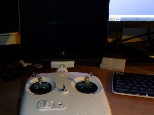 DJI  Phantom 控制器固定槽