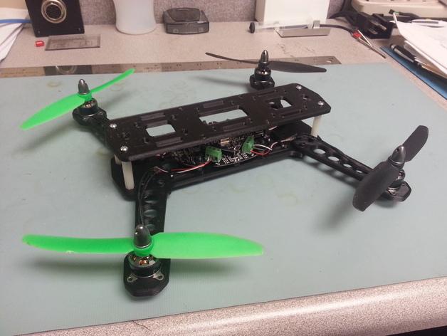 四轴飞行器 飞行控制器  3D打印模型渲染图