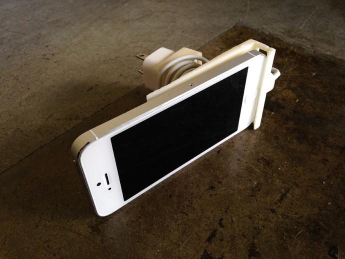 壁挂式iPhone 5手机充电座