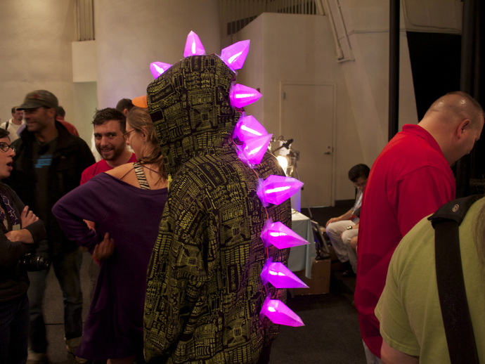LED恐龙服装