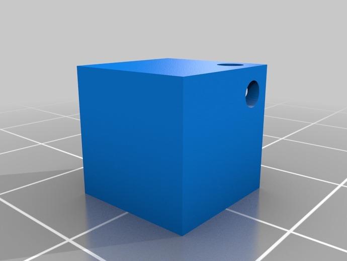 立方体坠饰