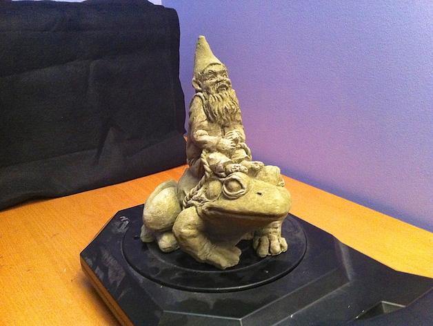 骑青蛙的侏儒