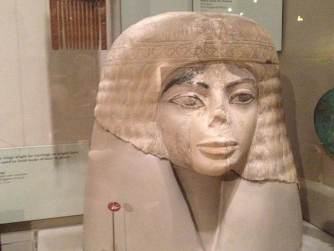 埃及女性头像雕塑