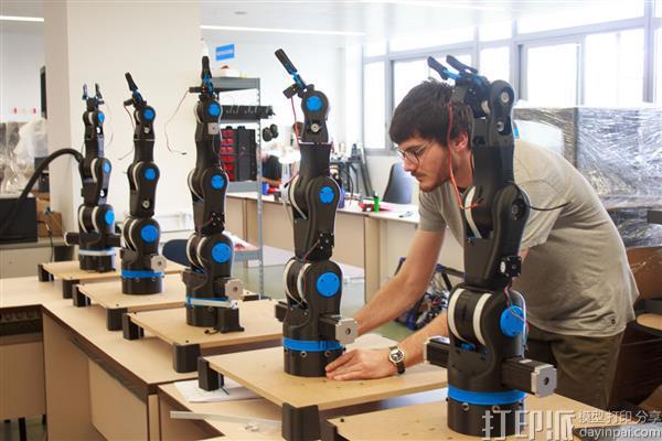 BCN3D公司推出开源低价3D打印机械手臂用于教育.jpg