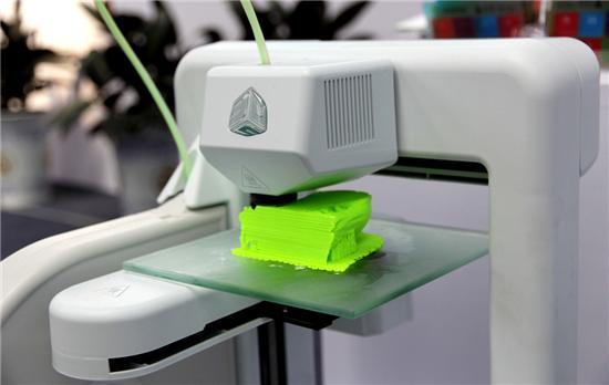 3D打印机工作台选玻璃材质的好还是硬铝材质的好?