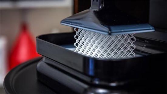 我国3D打印行业发展为什么会受到来自国外厂商的很大的冲击?