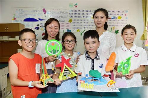 南昌小学生自制3D打印礼物 献给辛勤的老师