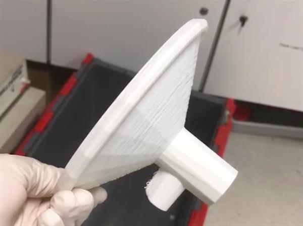 爱尔兰学生团队开发出低成本的3D打印吸乳器 可改善贫困地区的哺乳问题