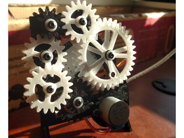 齿轮台钟模型