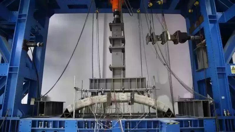 世界最大规模3D打印混凝土步行桥在上海宝山落成